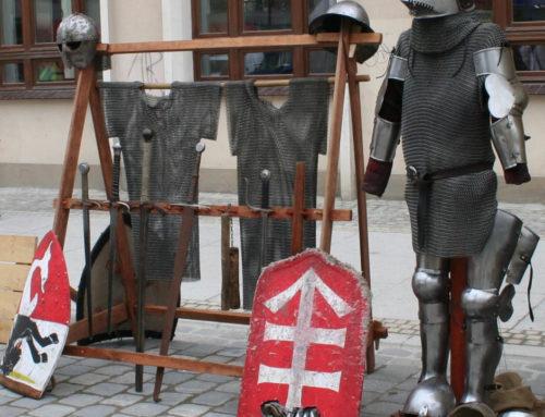 Prezentacja średniowiecznego uzbrojenia